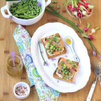 Salmon and Pea Tartines