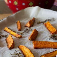 Crispy Chipotle Sweet Potatoe Wedges with Blue Cheese Aioli