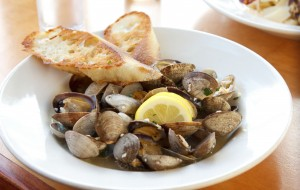 Buck Bay Steamed Clams