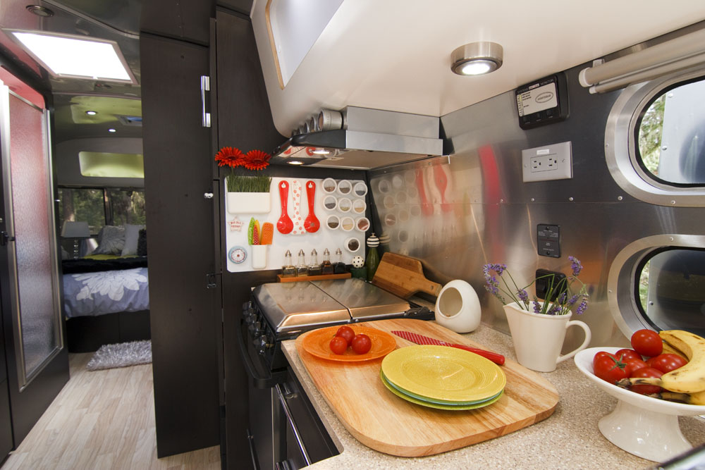 Merveilleux Inside An Airstream Travel Trailer, Airstream Travel Trailer Modern  Interiors, Decorating A Trailer,
