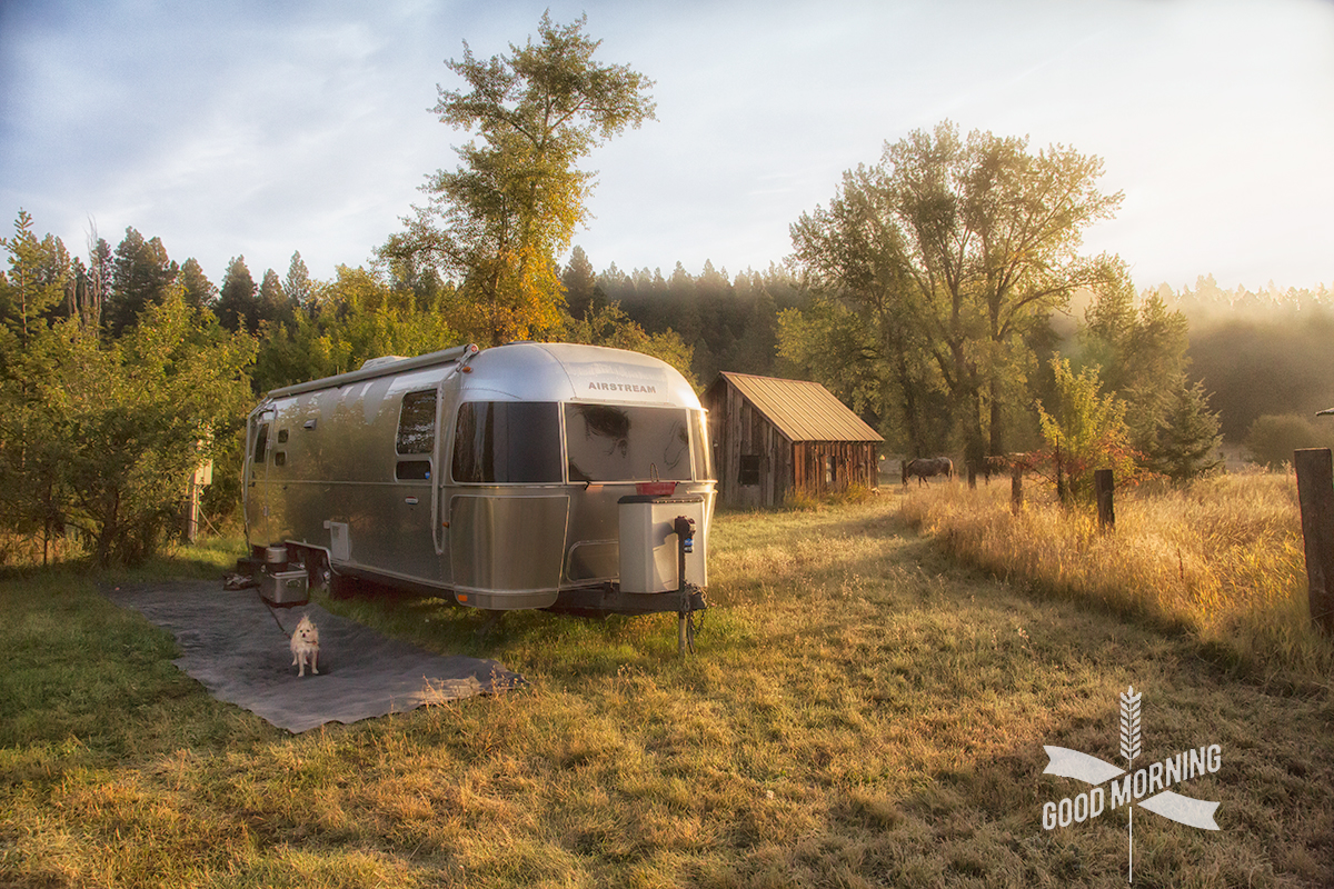 Morning Sunshine Rays in Roslyn, Washington with our Airtstream travel trailer