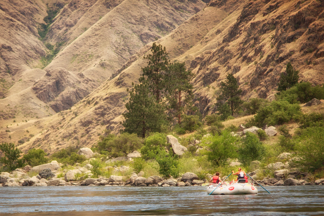 Whitewater rafting through Hells Canyon via J5MM.com