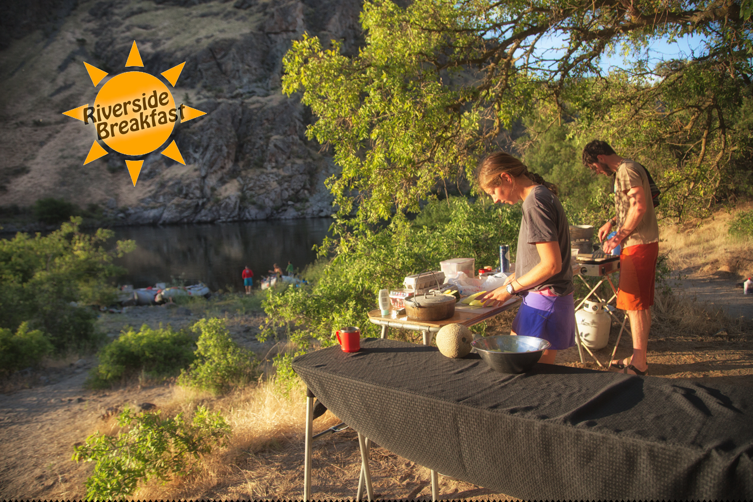 Riverside Dining in Hells Canyon with Hells Canyon Raft via J5MM.com