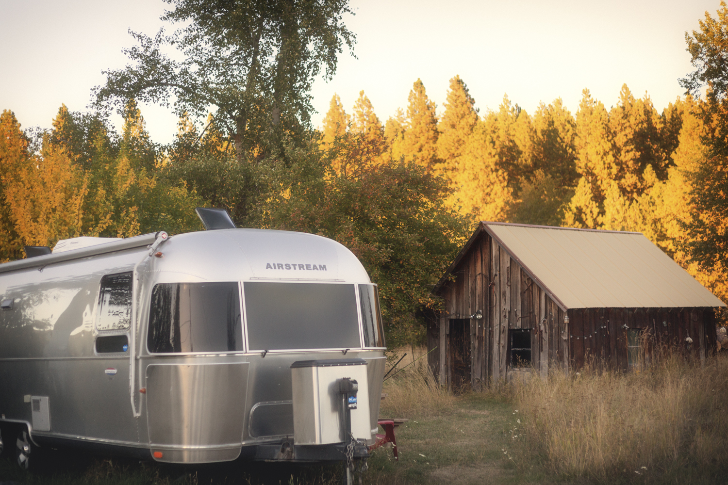 Airstream in Autum via J5MM.com // A River Story //