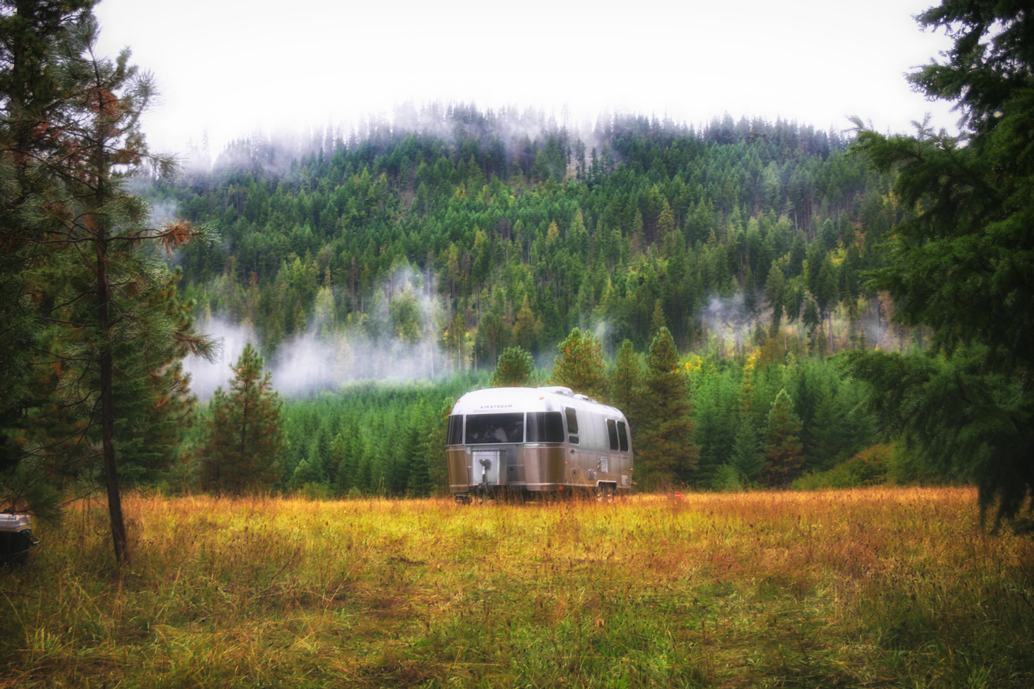 Glamping in Domerie Meadow // Cle Elum, WA via J5MM.com