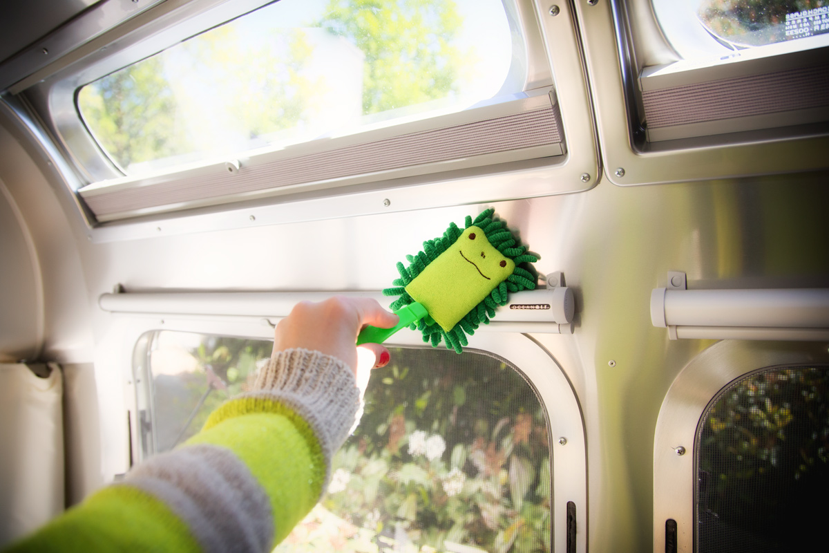 Spring Cleaning an RV Shower via J5MM.com // #Airstream RV Lifestyle
