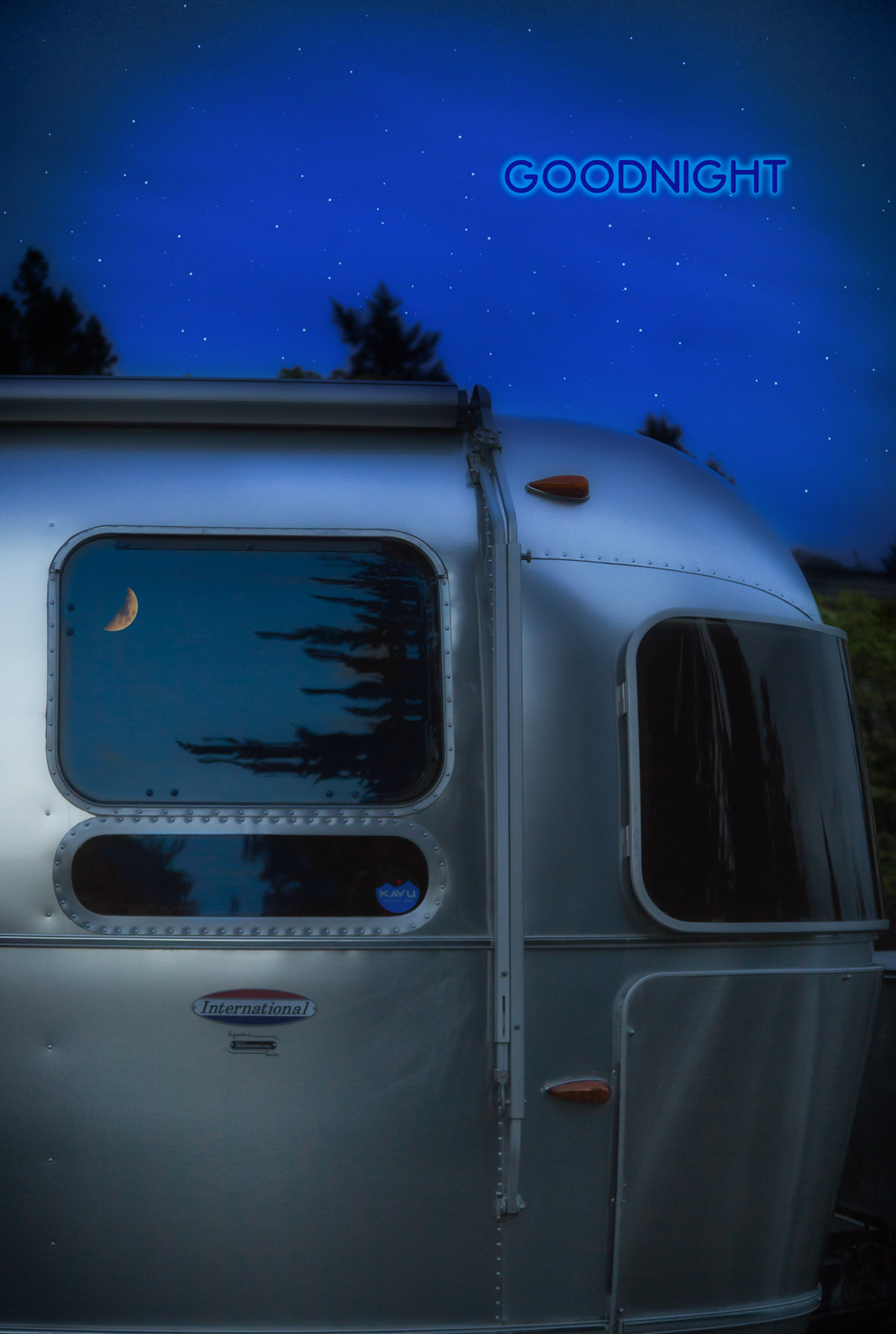 My Sleepy Silver Girl Under the Moon & Stars via J5MM.com // RV Lifestyle #Airstream Style