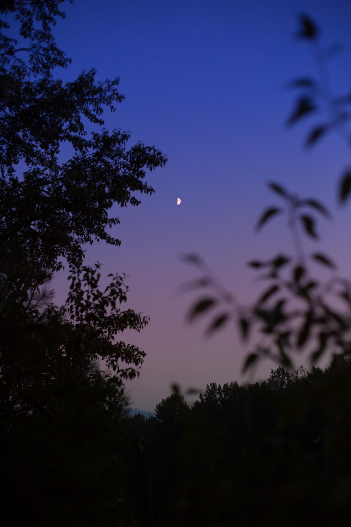 moonrise via J5MM.com