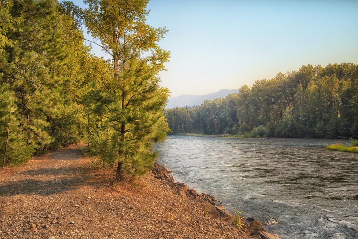 Outdoor Hike along the Yakima River via J5MM.com