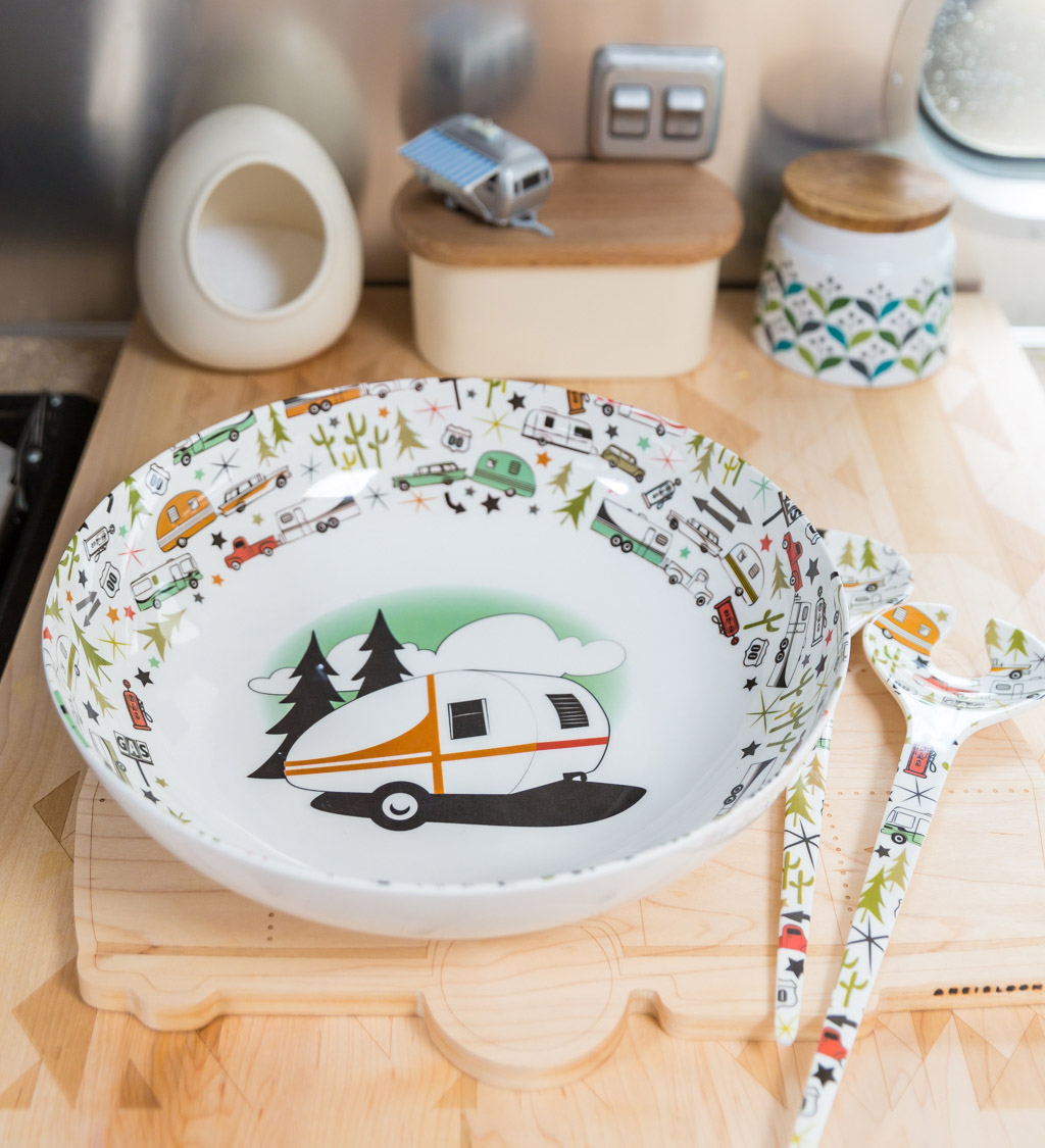 Camp Casual Serving Bowl Set via J5MM.com