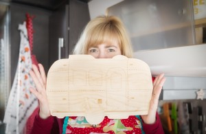 Buy this cute Airstream cutting board ♥